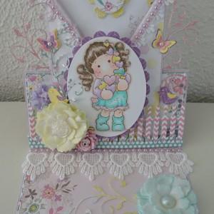Easel Card Created With Diemond Dies Realistic Roses Die Set, Fancy Flourish Die, Mini Must Haves Die Set Created by Leonie